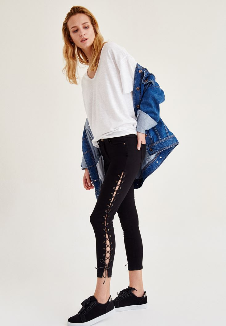 Siyah Pantolon ve Denim Ceket Kombini