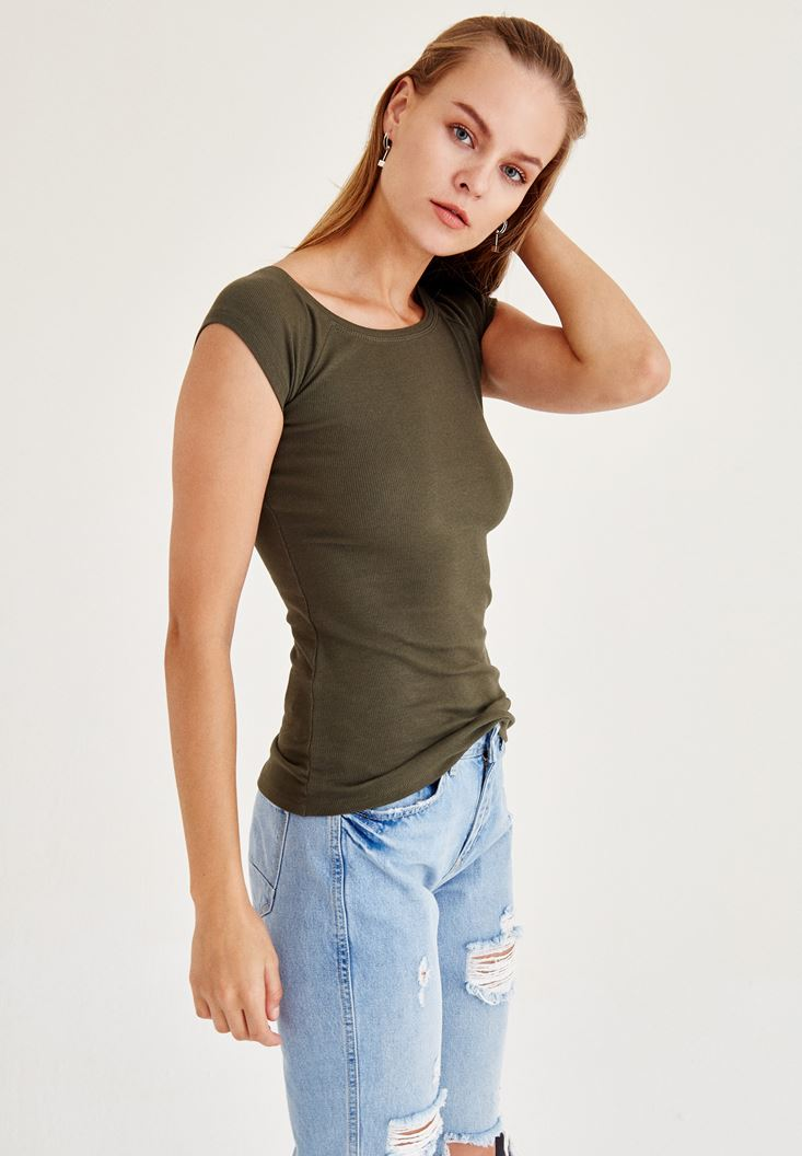 Yeşil Geniş Yakalı Kısa Kollu Tişört