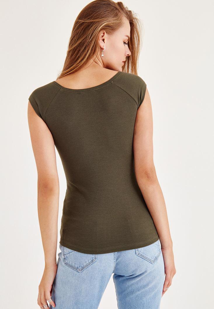 Bayan Yeşil Geniş Yakalı Kısa Kollu Tişört