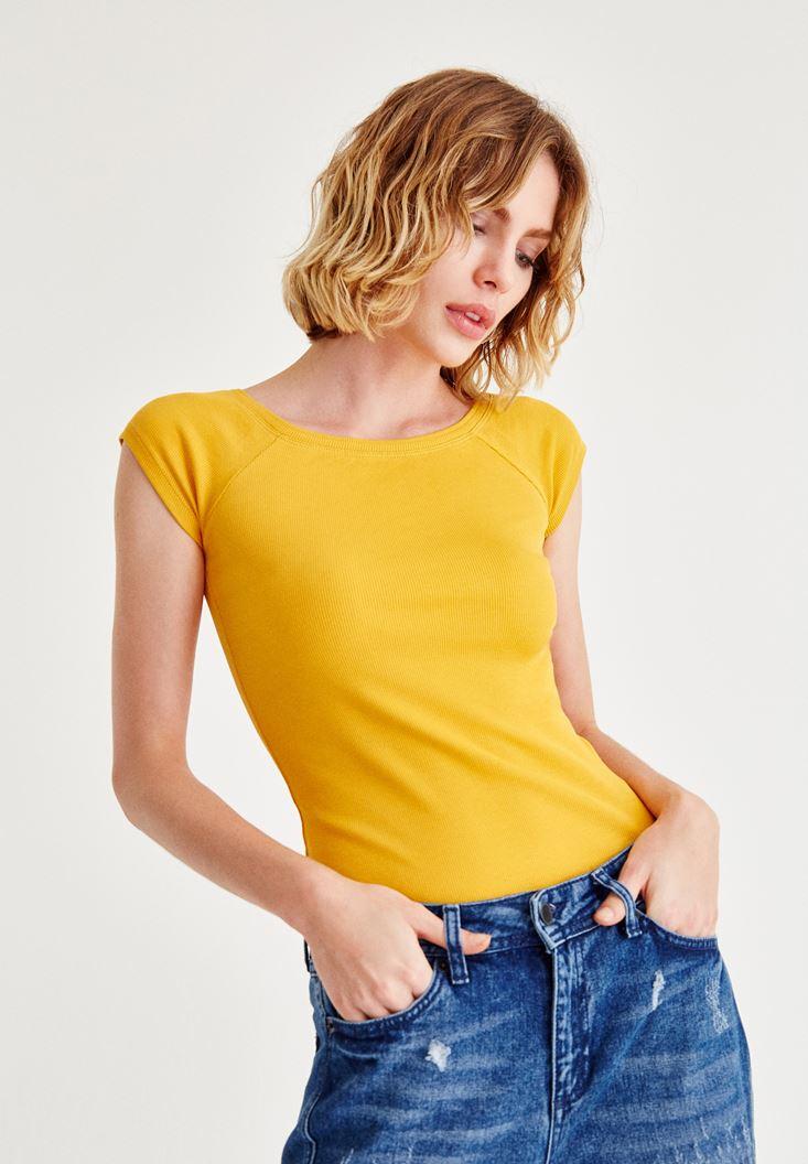 Turuncu Geniş Yakalı Kısa Kollu Tişört