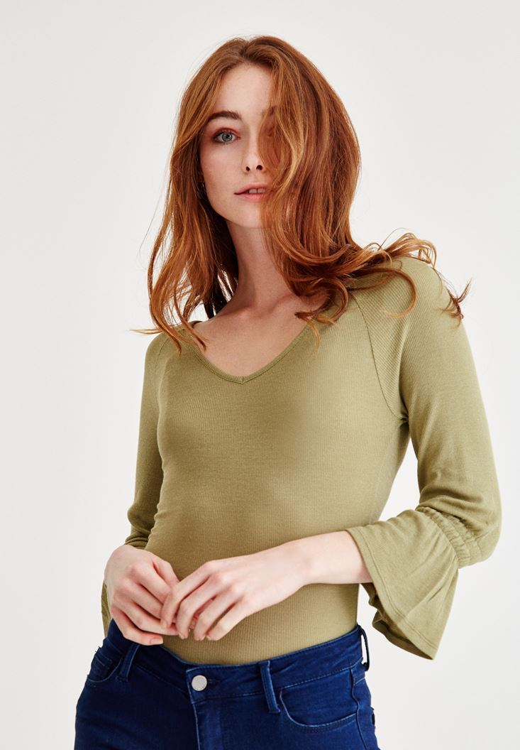 Green Blouse With Ruffle Arms