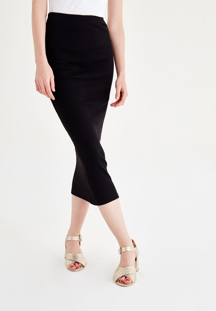 Black Knee-Bottom Narrow Skirt