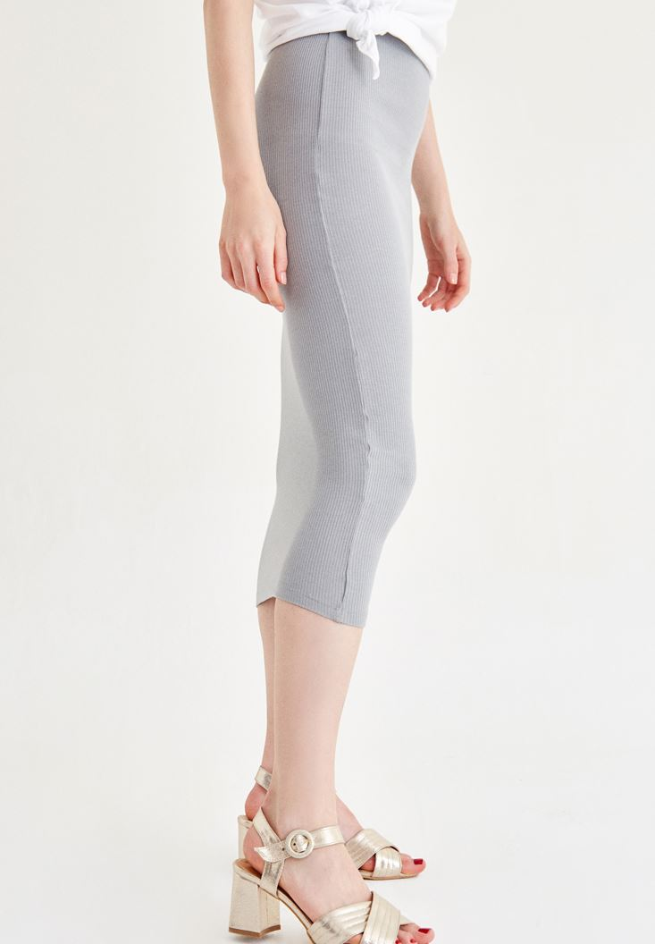 Grey Knee-Bottom Narrow Skirt with Details