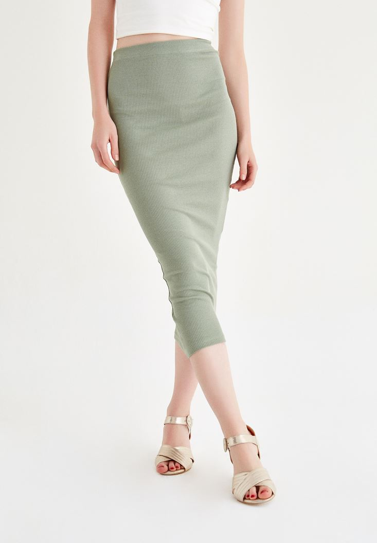 Green Knee-Bottom Narrow Skirt with Details