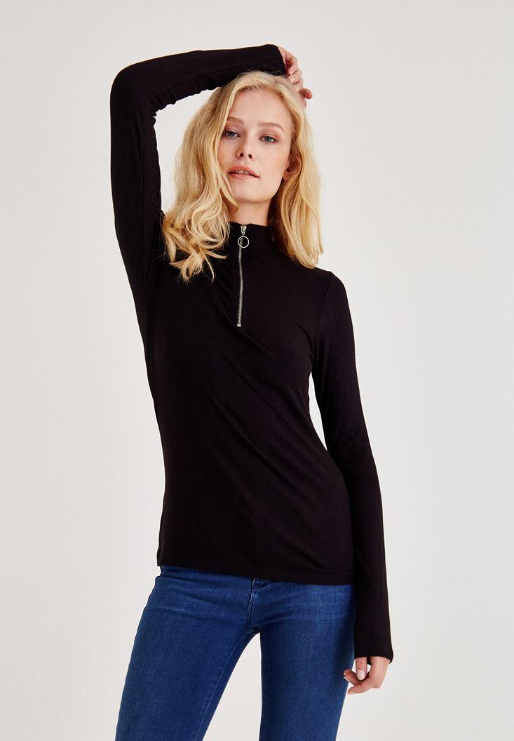 Siyah Boğazlı Fermuarlı Uzun Kollu Bluz