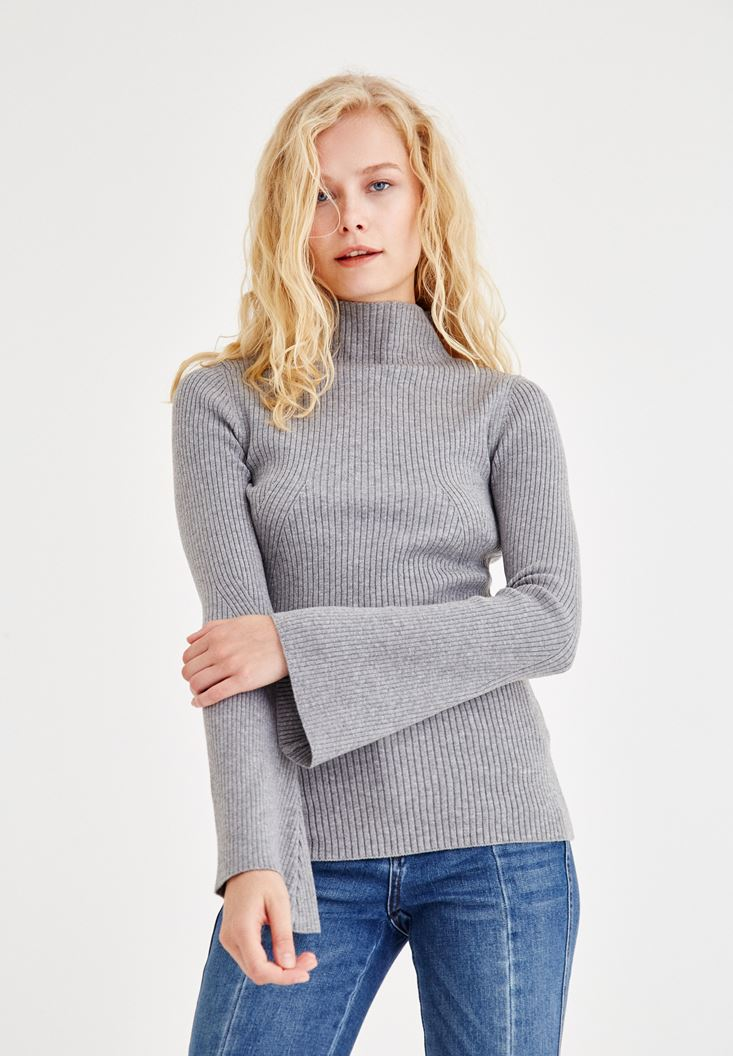 Grey Pullover With Loose Arms