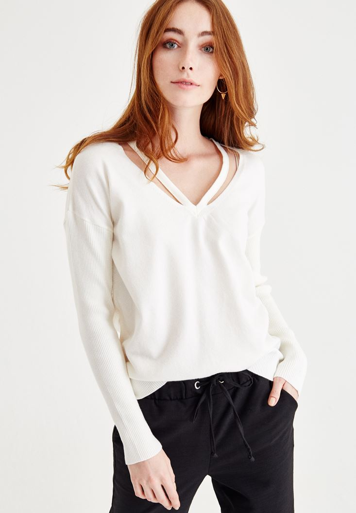 Cream Long Sleeve Pullover With Binding Detail