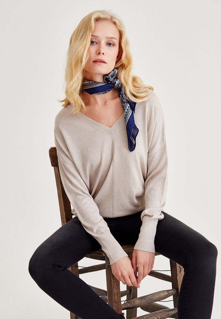 Grey V Neck Knitwear With Arm Detailed