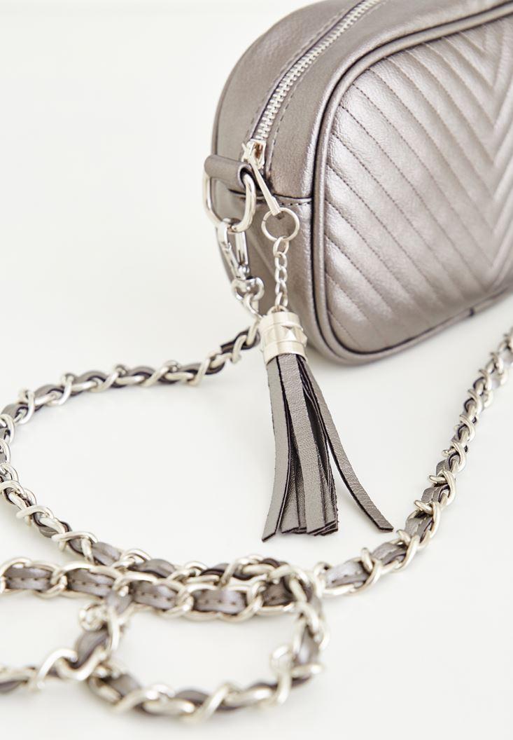 Gümüş Zincir Askılı Küçük Çanta