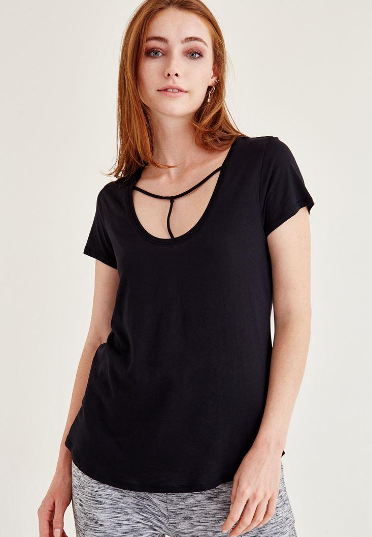Siyah Biye Detaylı Basic Tişört