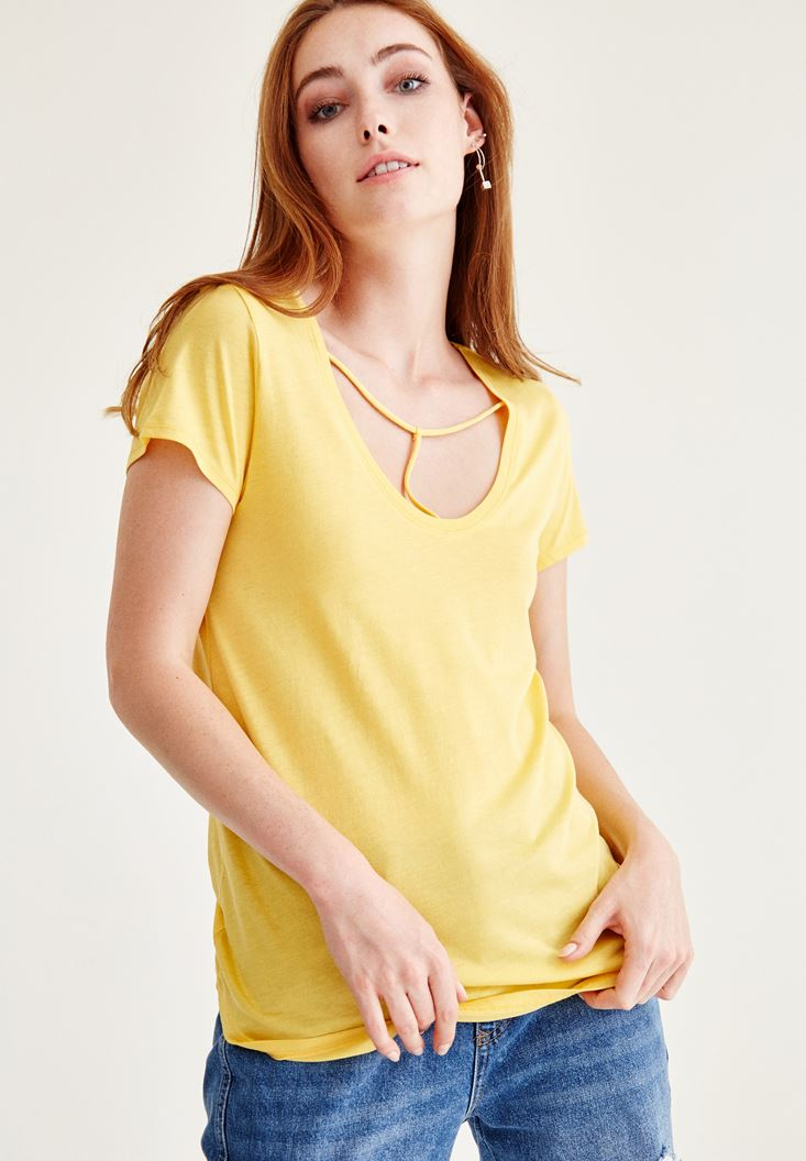 Yellow Binding Detailed Basic T-shirt