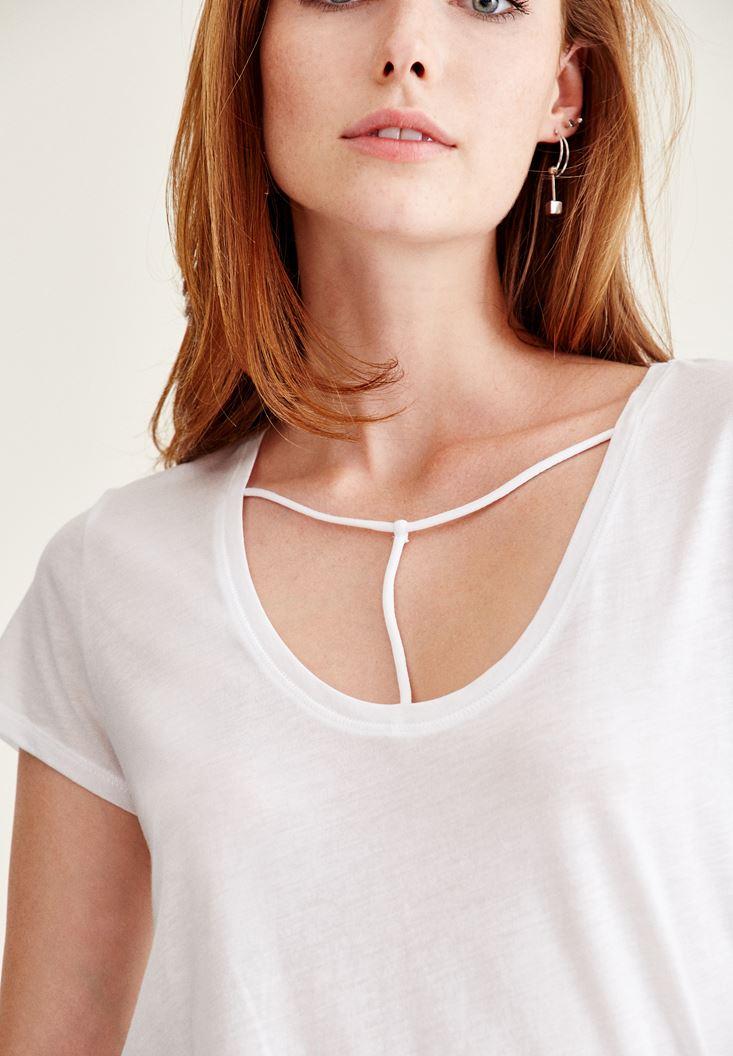 Bayan Beyaz Biye Detaylı Basic Tişört