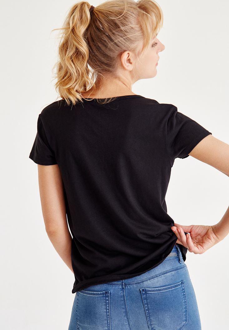 Bayan Siyah Biye Detaylı Yarım Kollu Tişört