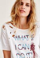 Bayan Krem İşlemeli Yırtık Detaylı Tişört