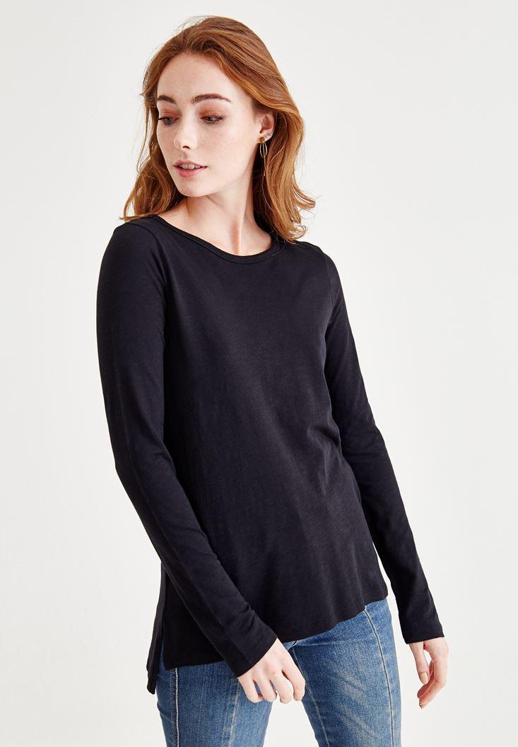 Siyah Uzun Kollu Yanları Yırtmaçlı Tişört