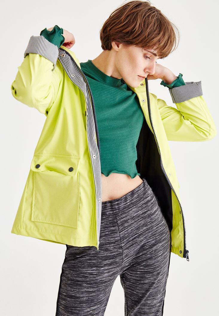 Bayan Yeşil İçi Desenli Yağmurluk