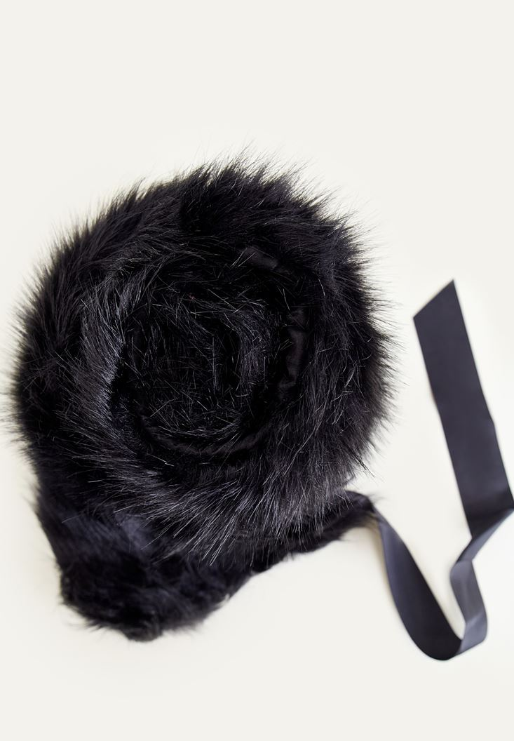 Black Fake Fur With Laced Detailed