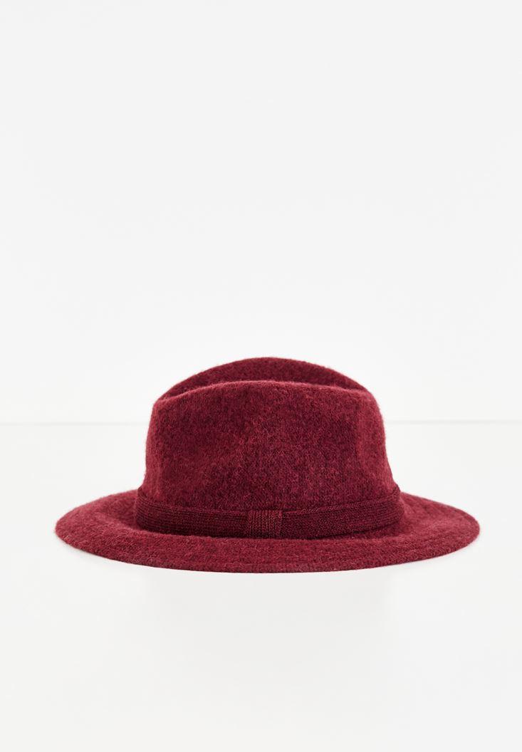 Bordo Kurdele Detaylı Şapka