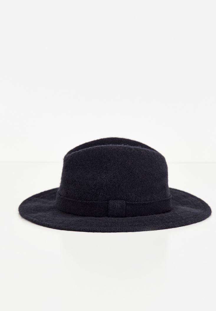 Bayan Siyah Kurdele Detaylı Şapka