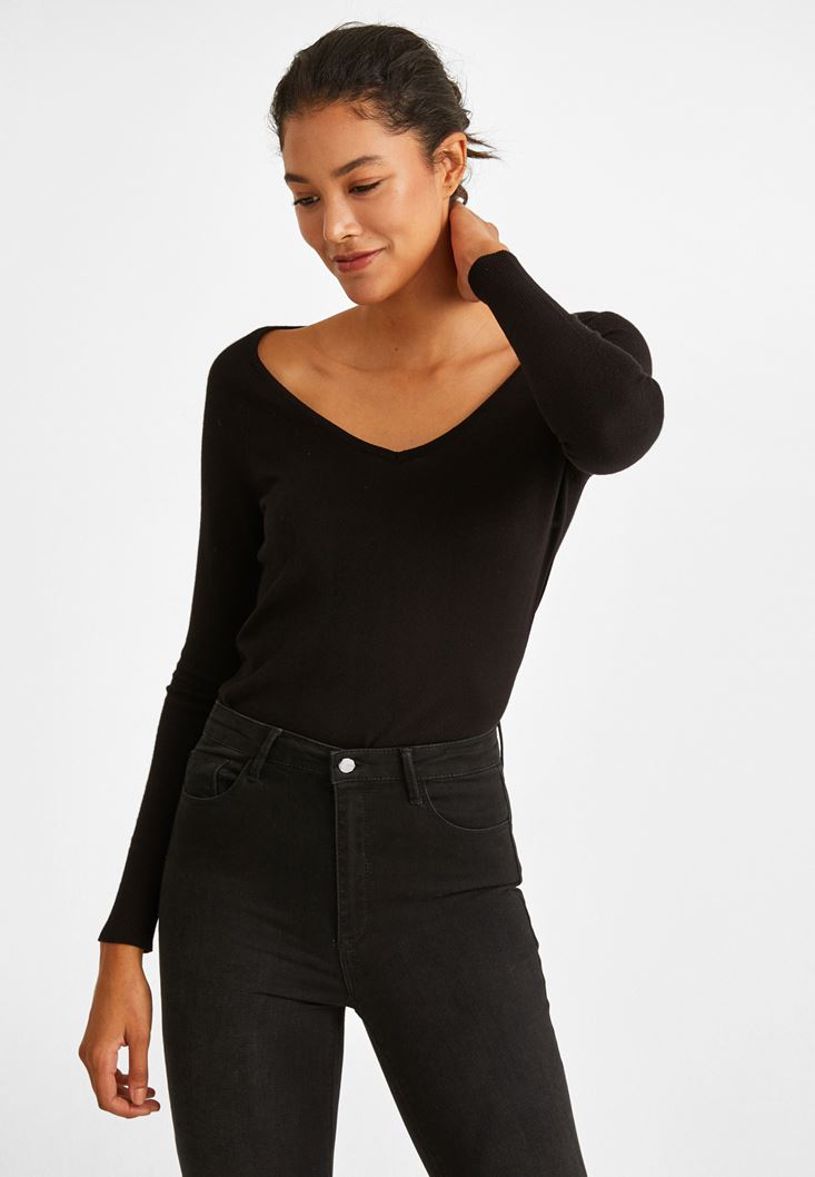 Black Long Sleeve Pullover With V Neck