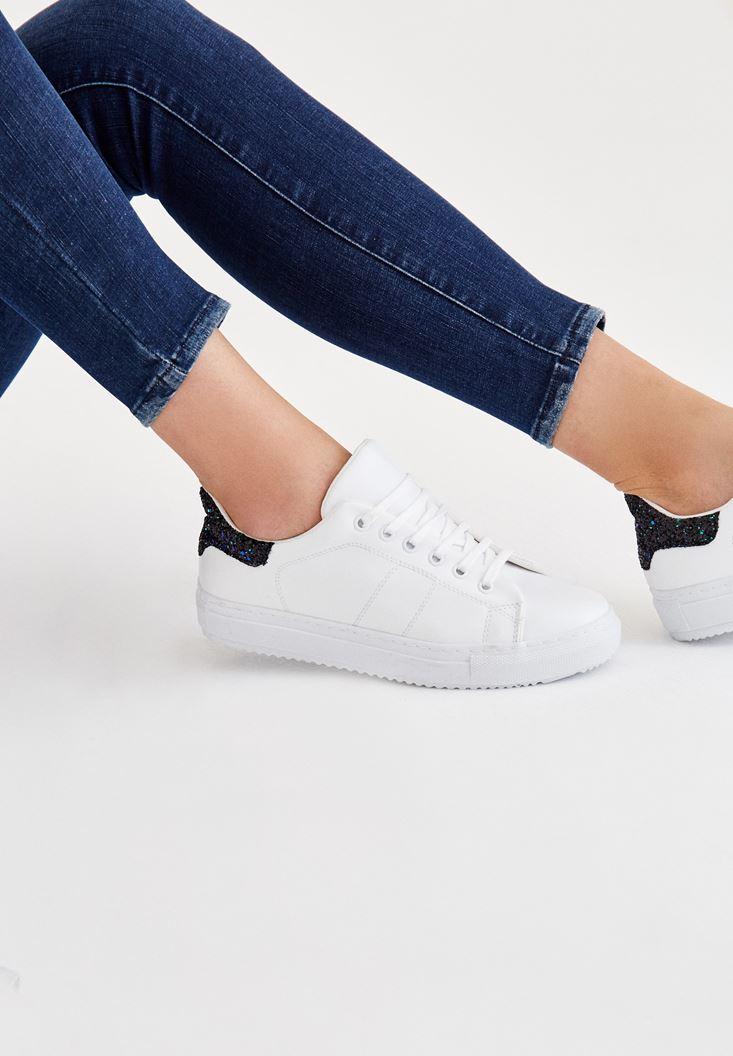 Beyaz Bağcıklı Arkası Parlak Spor Ayakkabı