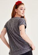 Bayan Siyah Omuz Detaylı Yarım Kollu Tişört