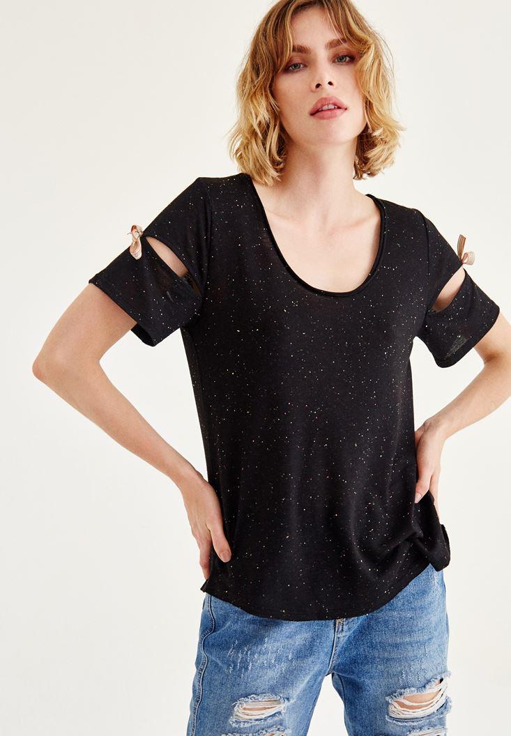 Siyah Kol Detaylı U Yaka Tişört
