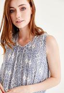 Bayan Beyaz Fırfır Detaylı Desenli Bluz