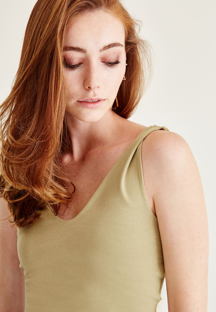 Bayan Yeşil Sırt Detaylı Yarım Bluz