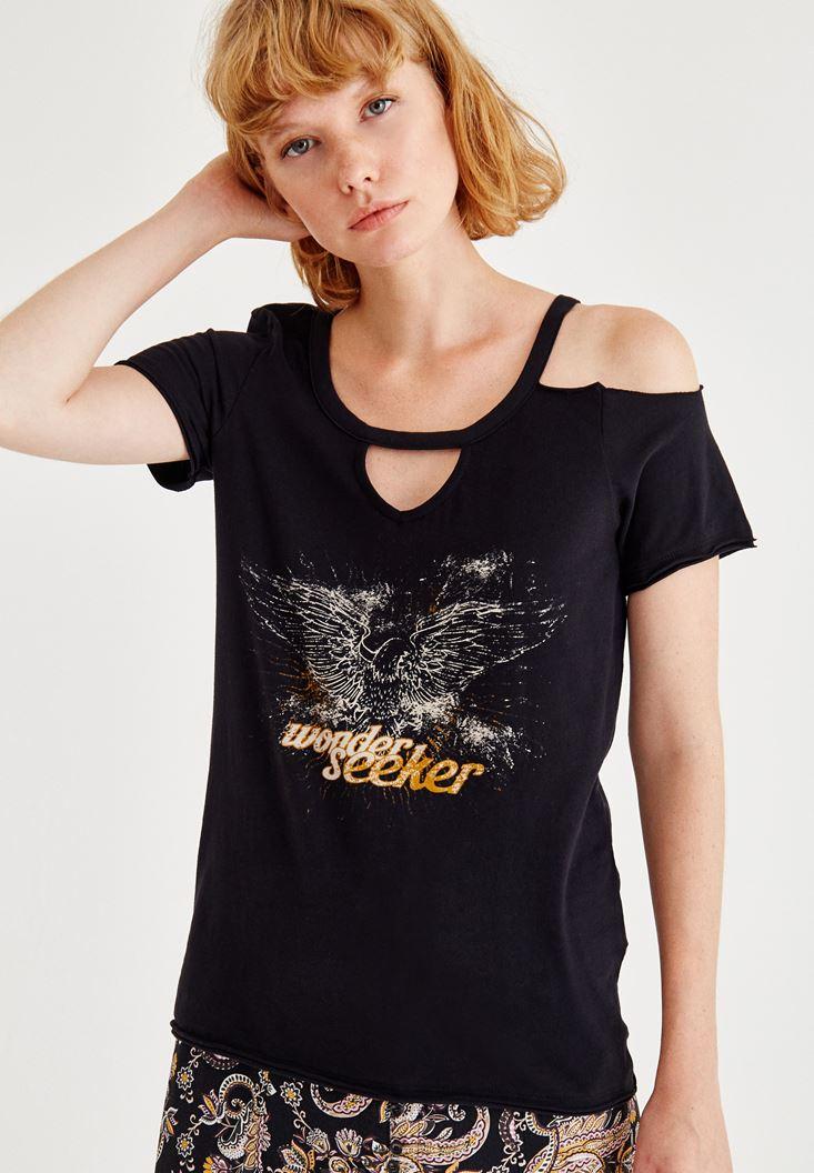 Siyah Biye Detaylı Yarım Kollu Baskılı Tişört