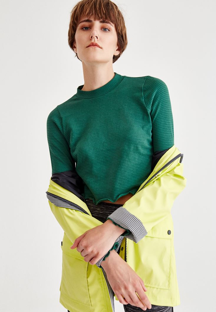 Green Crop Top With Long Sleeve