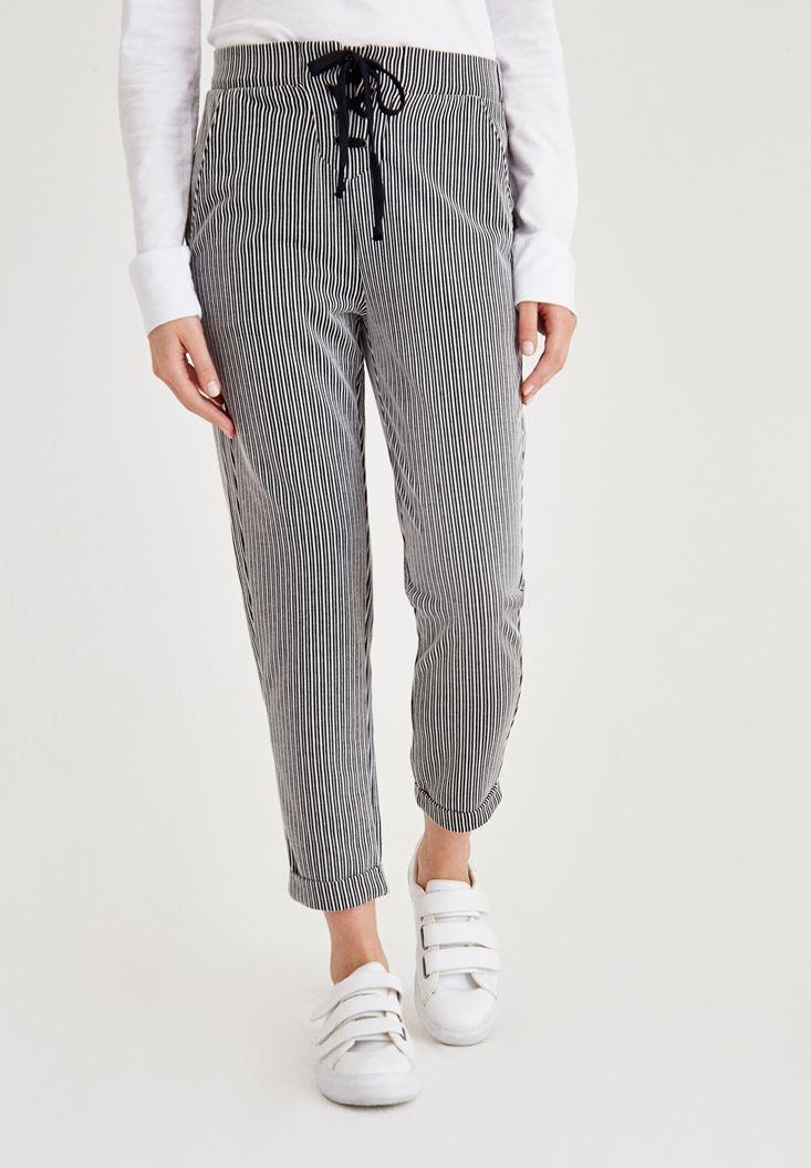 Çok Renkli Çizgili Önü Bağlama Detaylı Pantolon