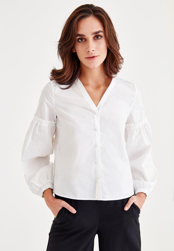 Beyaz Kol Detaylı İnci Düğmeli Gömlek