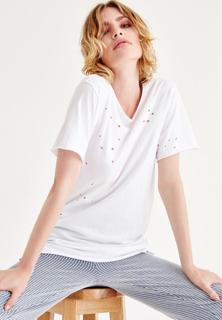 Beyaz Yırtık Detaylı Tişört