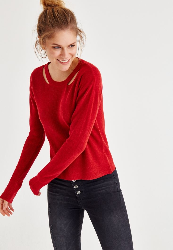 Red Long Sleeve Knitwear With Neck Detailed