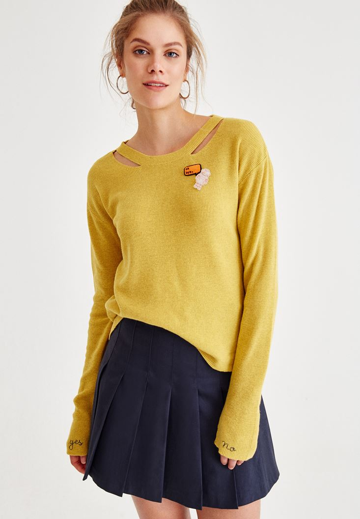Yellow Long Sleeve Knitwear With Neck Detailed