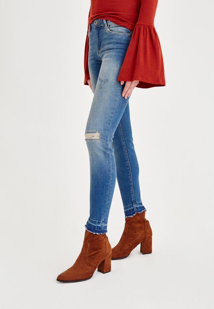 Bayan Mavi Orta Bel Dar Paça Yırtık Detaylı Denim Pantolon