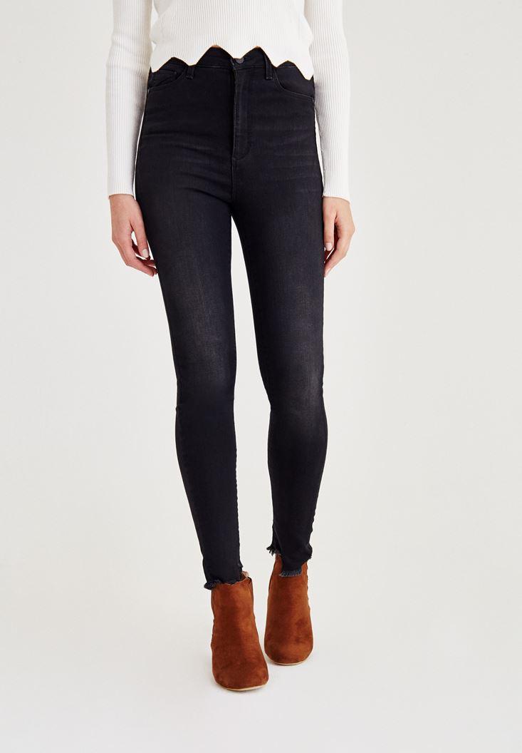 Bayan Siyah Asimetrik Paça Detaylı Yüksek Bel Jean