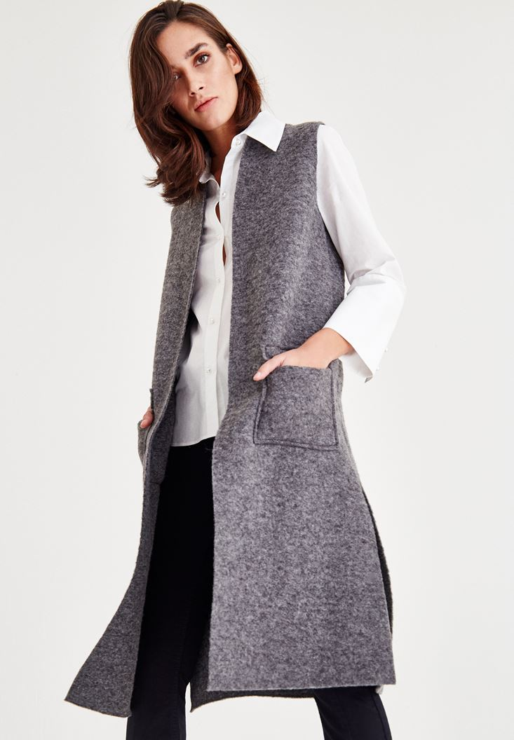 Grey Vest With Pocket Detailed
