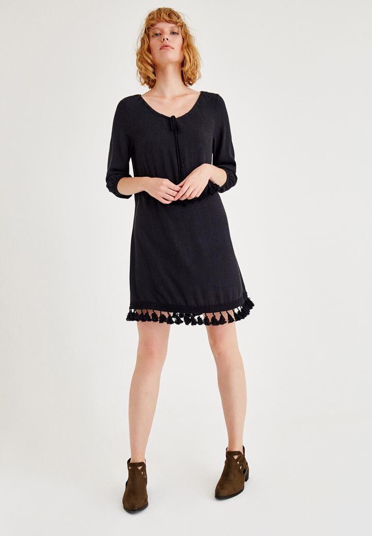 Siyah Püskül Detaylı Uzun Kollu Elbise
