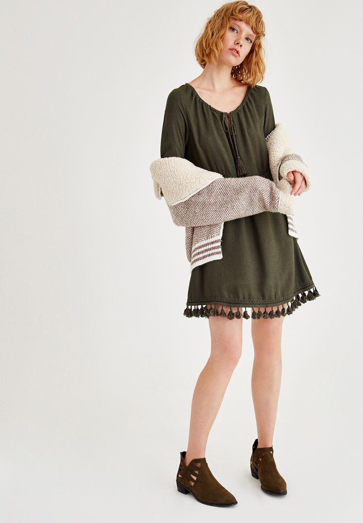 Yeşil Püskül Detaylı Uzun Kollu Elbise