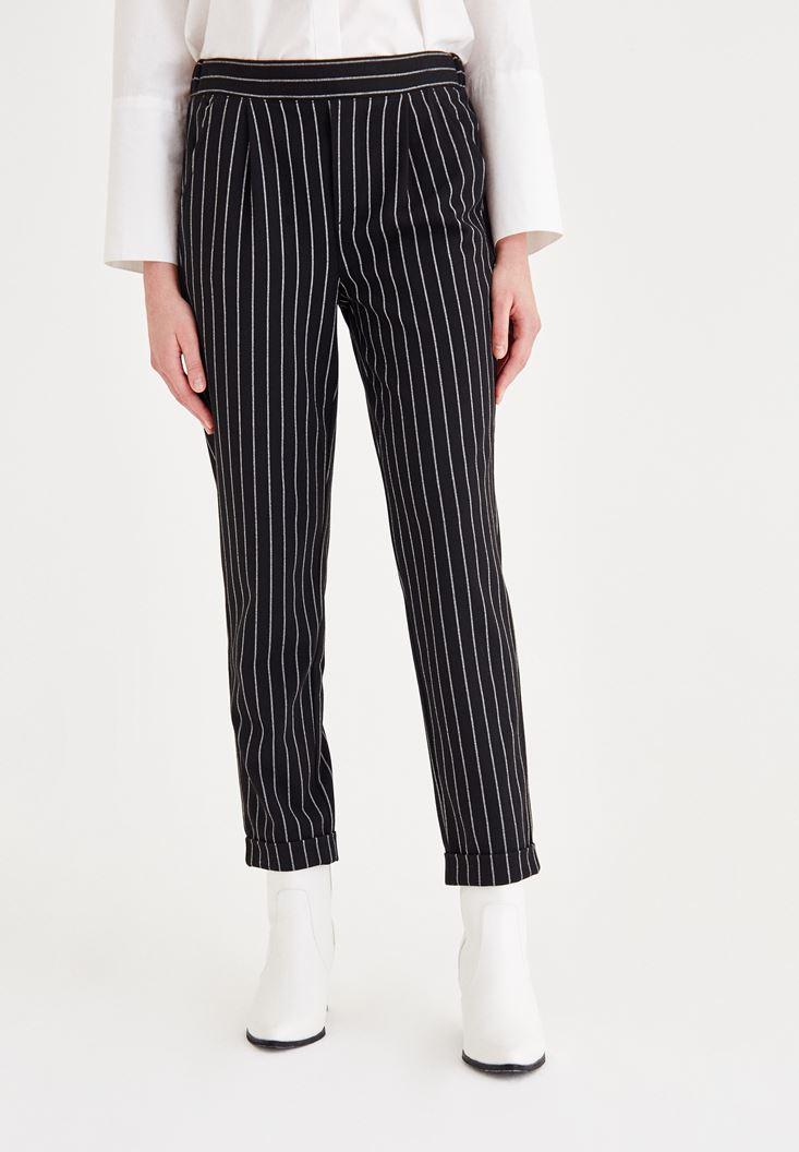 Siyah Çizgi Detaylı Cepli Pantolon