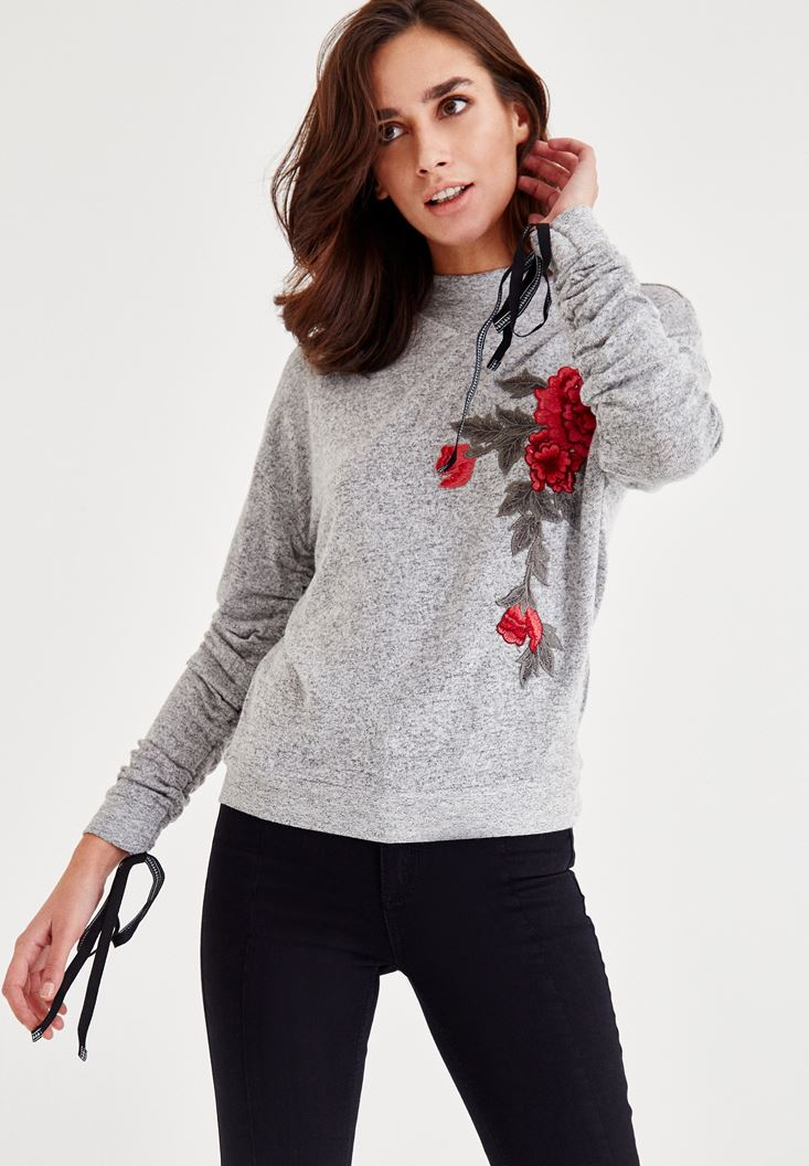 Grey Knitwear With Aplique Detailed