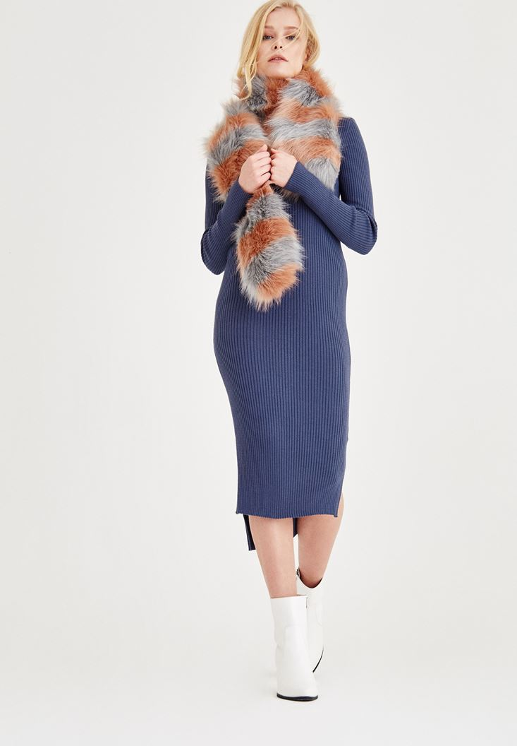 Mavi V Yaka Yırtmaç Detaylı Uzun Elbise
