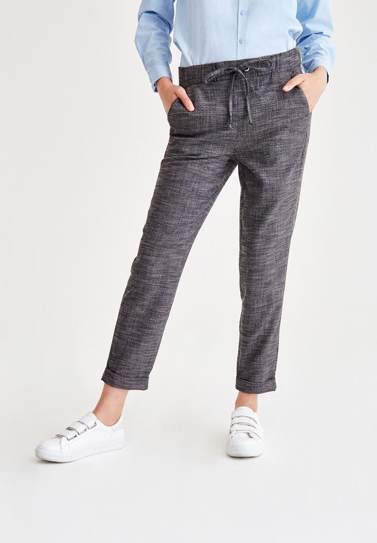 Gri Beli Bağlama Detaylı Pantolon