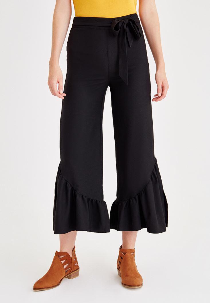 Bayan Siyah Paçası Pili Detaylı Pantolon