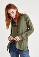 Bayan Yeşil Yırtmaç Detaylı Gömlek