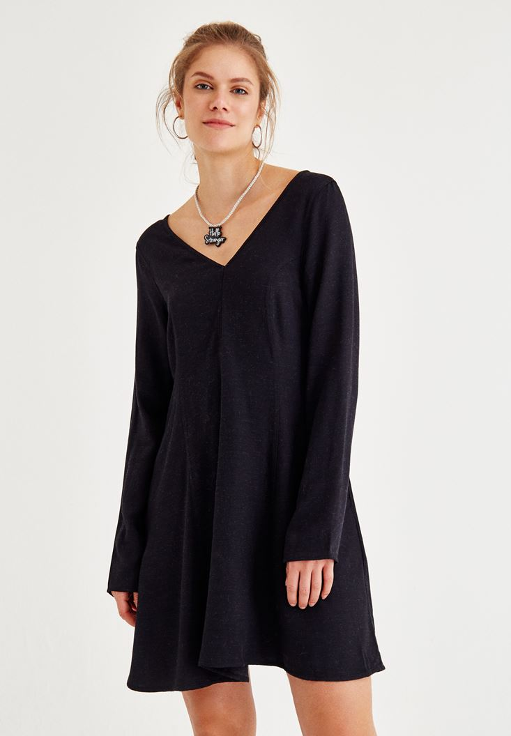 Siyah V Yaka Uzun Kollu Elbise