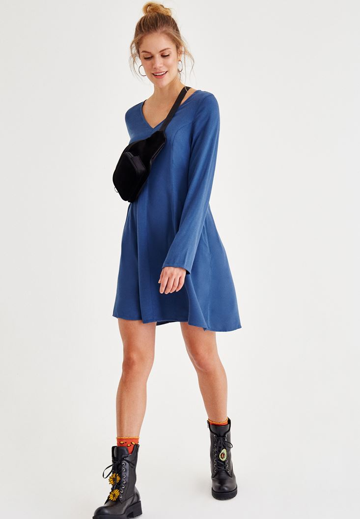 Blue Long Sleeve Dress With V Neck Detailed