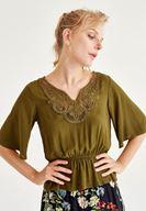 Bayan Yeşil Nakışlı Beli Lastikli Bluz